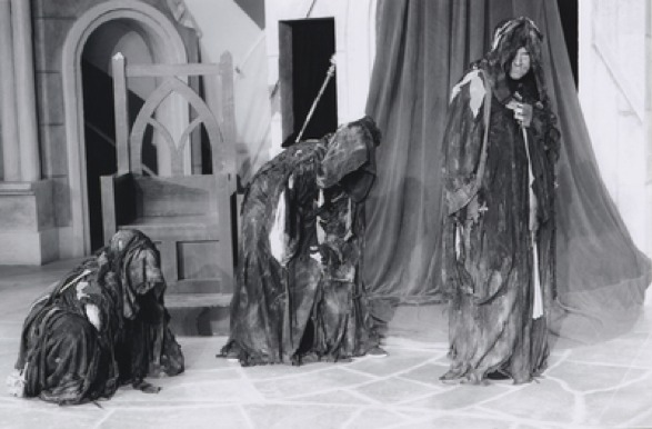 macbeth's weird sisters The three wyrd sisters (the witches) also weird sisters for our design of the three wyrd sisters, we chose to used the description from banquo and macbeth which told us.
